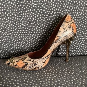 RACHEL Rachel Roy spike snake heels 7.5